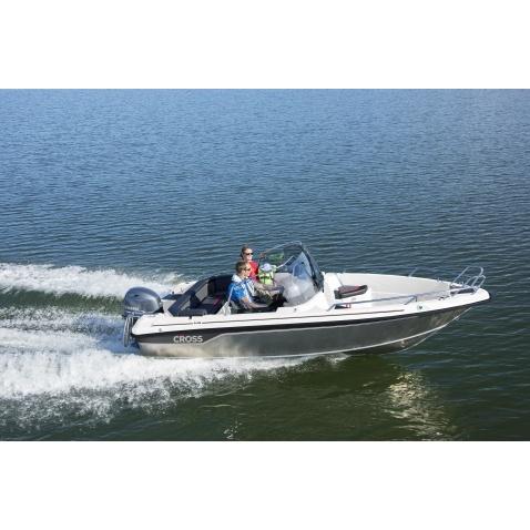 Motorový člun Yamarin Cross 54 BR