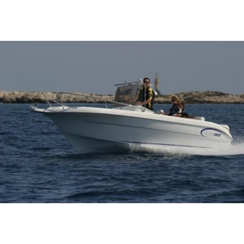 Motorový člun A580 Open
