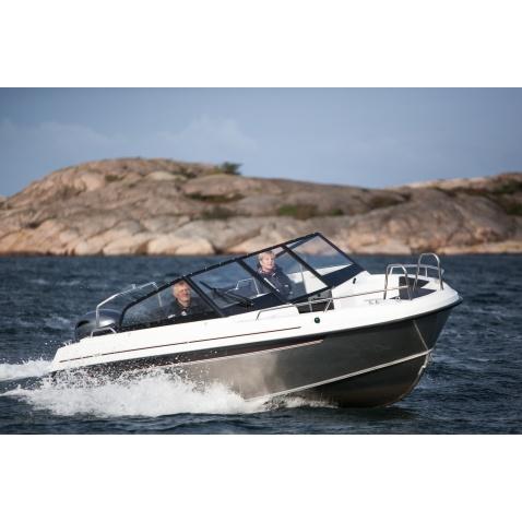 Motorový člun Yamarin Cross 62 BR