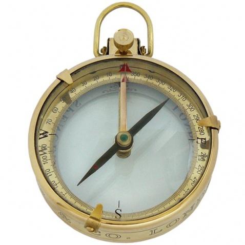 Kompas v dřevěné krabičce,prum.9cm