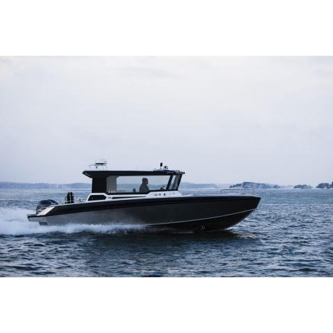 Motorový člun Buster Phantom Cabin