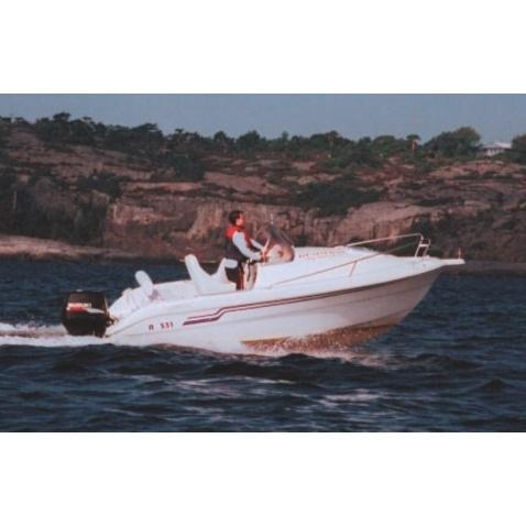 Motorový člun A581 Cabin